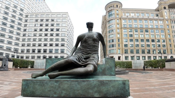 Henry Moore: Draped Seated Woman