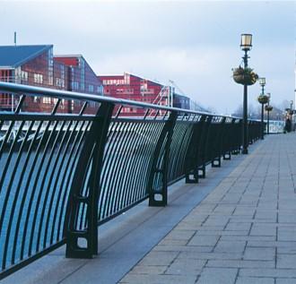 James Horrobin & SOM: Promenade Railings